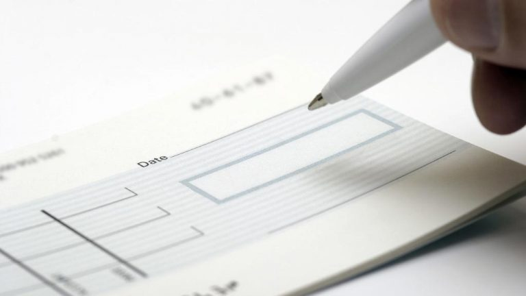 How to protect yourself from bounced cheques