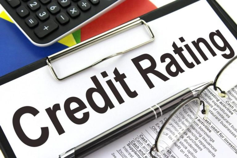 HOW CAN MY SPENDING HABITS AFFECT MY CREDIT RATING